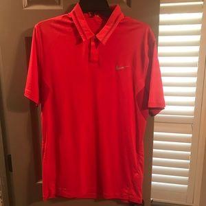 Tiger Woods golf shirt (Small)